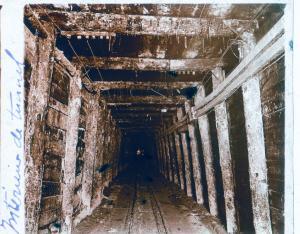 Intérieur d'un tunnel