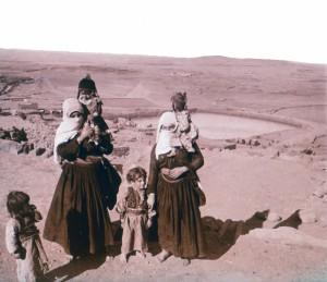 Femmes Druzes avec enfants